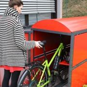Fahrradgarage BikeBox 2 mit eingestelltem Fahrrad