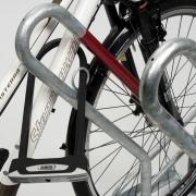 Fahrradständer 2500 mit eingestelltem Fahrrad - Detailaufnahme