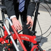 Fahrradständer 2500 - Detailaufnahme mit Fahrradschloss