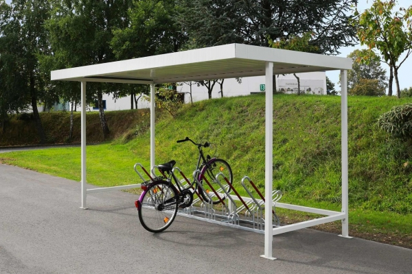 Überdachung Modell Leipzig mit Fahrradständern und eingestelltem Fahrrad